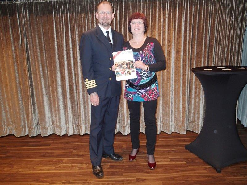 Carmen Sammer stellte Kapitän Mats Nelson von der MS Albatros das ProHof-Magazin persönlich vor.